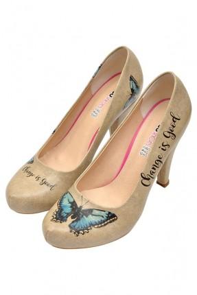حذاء نسائي بطبعة فراشة