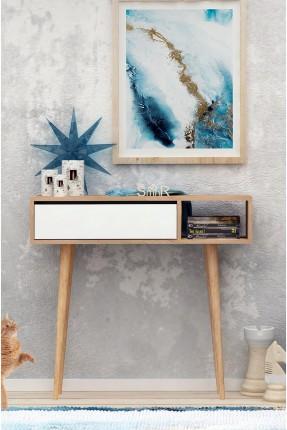 طاولة خشبية بيضاء اللون