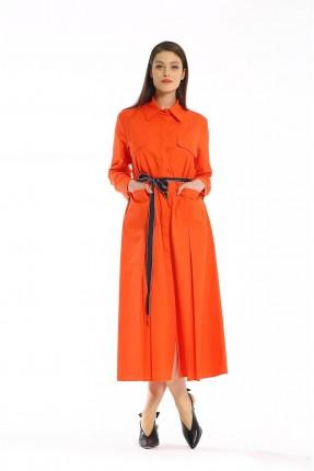 فستان طويل مزين بربطة على الخصر