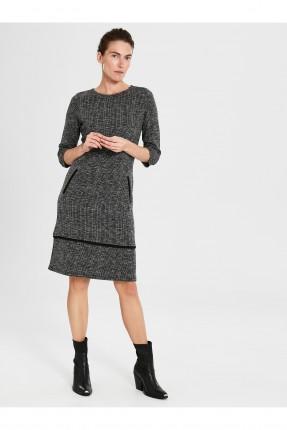 فستان سبور بياقة دائرية