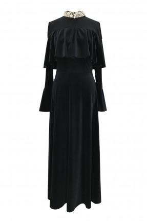 فستان رسمي مزين باحجار على الياقة