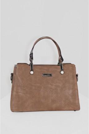 حقيبة يد نسائية مزينة بتفاصيل لؤلؤ