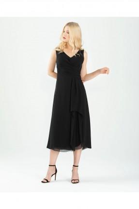 فستان سبور مزين بالدانتيل