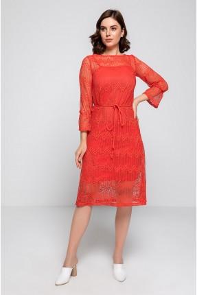 فستان نسائي بتفاصيل مفرغة
