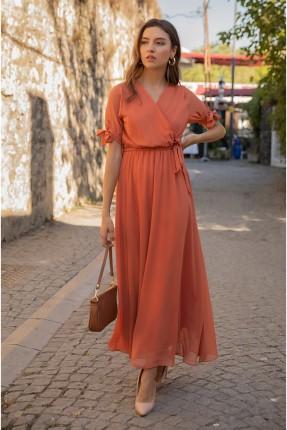 فستان بتفاصيل شيفون وربط على الخصر