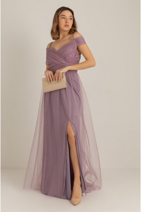 فستان رسمي بتفاصيل تول بفتحة امامية