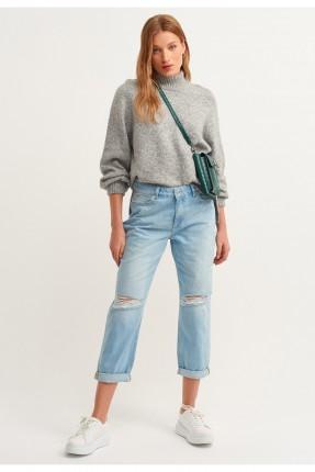 بنطال نسائي جينز ممزق مطوي