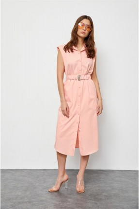 فستان مزين بنمط قميص