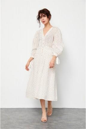 فستان مزين بربطة على الاكمام - بيج