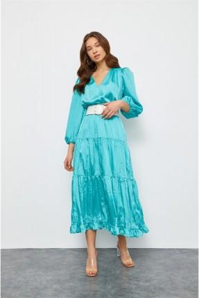 فستان واسع بياقة V