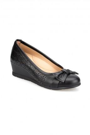 حذاء نسائي مزين بعقدة - اسود
