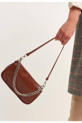 حقيبة يد نسائية مزينة بسلسلة - بني