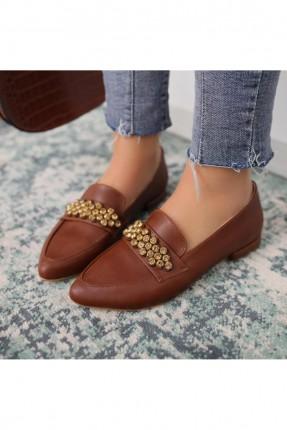 حذاء نسائي مزين باحجار