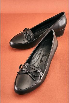حذاء نسائي بفيونكة
