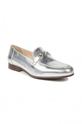 حذاء نسائي بسلسلة معدنية