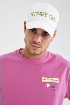قبعة رجالية بطبعة STREET TIME