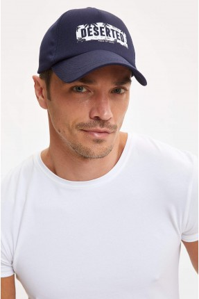 قبعة رجالية بطبعة كتابة