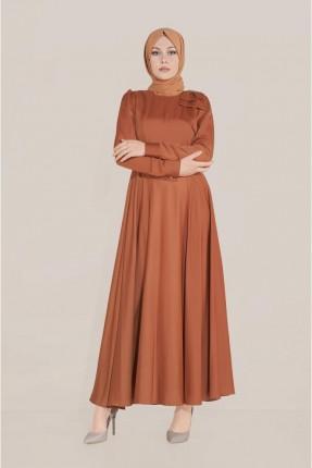 فستان مزين بتفاصيل على الكتف