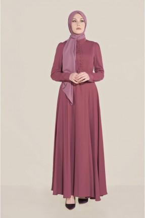 فستان مزين بحزام على الخصر