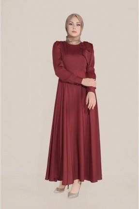 فستان مزين بتفاصيل على الاكتاف