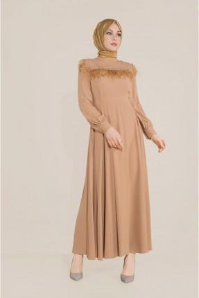 فستان مزين بتفاصيل شيراشيب