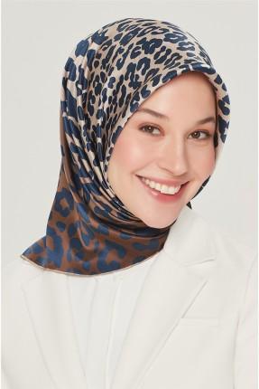 حجاب مزين بنقشة تايغر