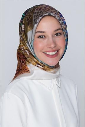 حجاب مزين بزخرفة