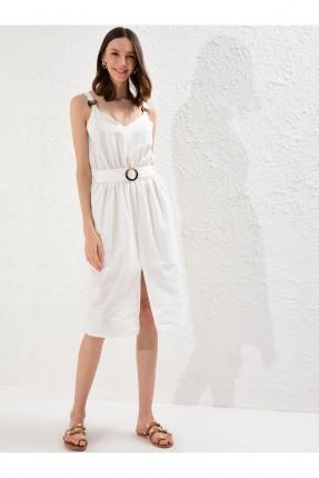فستان مزين بحزام وبفتحة امامية