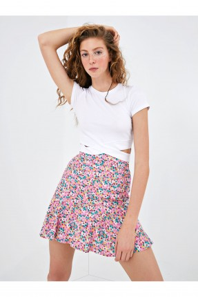 تنورة قصيرة مزهرة