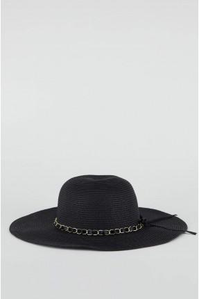 قبعة نسائية مزينة باكسسوار