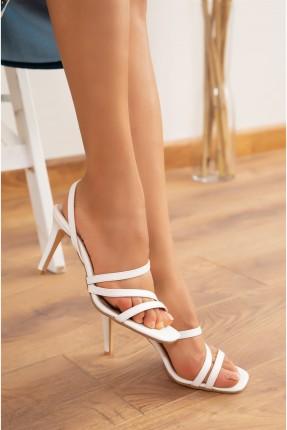 حذاء نسائي بكعب - ابيض