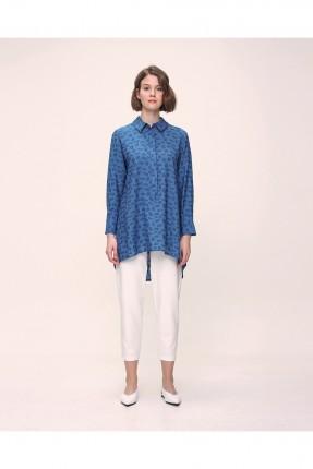 قميص نسائي مزين بنقشة - ازرق