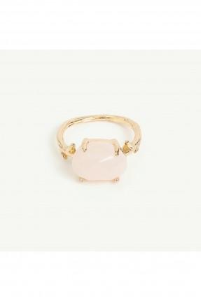 خاتم نسائي مزين بحجر مغاير اللون
