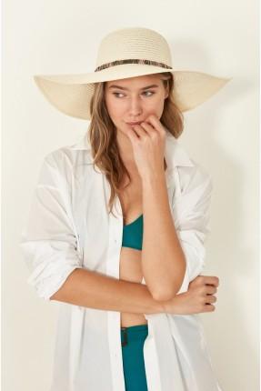 قبعة نسائية مزينة بفيونكة