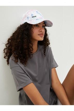 قبعة نسائية منقشة