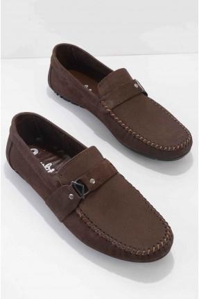 حذاء رجالي مزين بقطعة معدنية - بني
