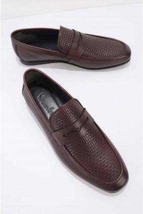 حذاء رجالي مزين بنقشة - خمري