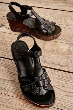 حذاء نسائي جلد بكعب روكي - اسود