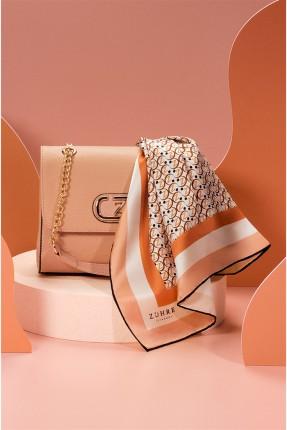 حقيبة يد نسائية مزينة بشعار الماركة - وردي