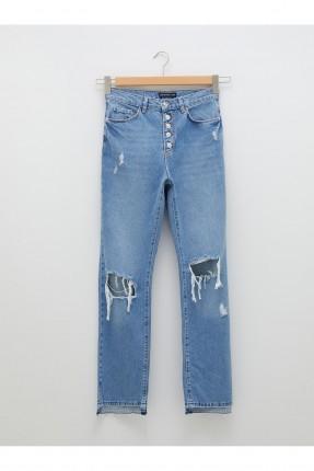 بنطال جينز نسائي بشقوق