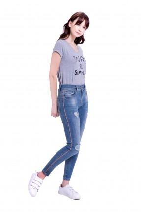 بنطال جينز نسائي مزين بشقوق