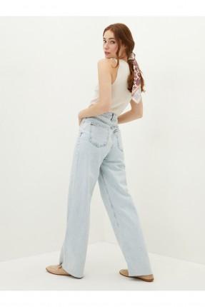 بنطال جينز نسائي بجيوب من الخلف