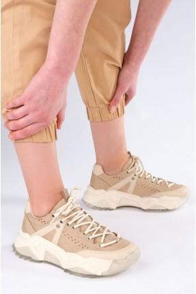 بوط رياضة نسائي بثقوب على الجوانب