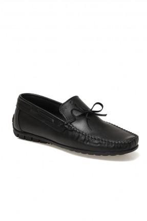 حذاء رجالي مزين بربطة