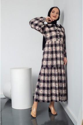 فستان نسائي مزين بكاروهات