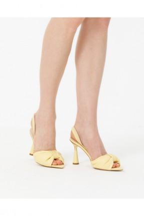 حذاء نسائي سادة اللون - اصفر