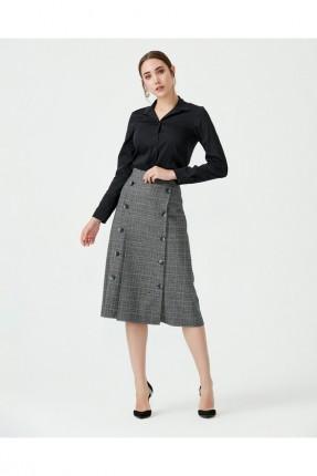 تنورة قصيرة مزينة بازرار - فضي