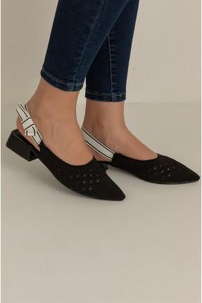 حذاء نسائي مزين بثقوب - اسود