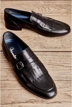 حذاء رجالي مزين بحزام - اسود
