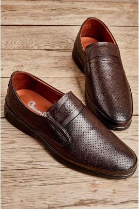 حذاء رجالي بثقوب - بني